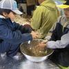 森のお遊び会9月 麦の籾取り バトルパフェ