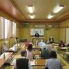 4日、午前中は街頭宣伝、午後飯坂町で議会報告会、コロナからイオンまで多彩の意見交換会に
