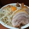 亀戸二郎の汁無しはジャンクの王道を突き進む。麺は多い。