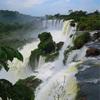 イグアスの滝トレイルを行く