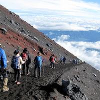 富士登山の安心・安全を守るあるモノとは!?