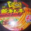 日清 デカブト 豚キムチラーメン 太麺 98+税円