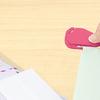 【新商品情報】2種類の刃でいろんな封筒を綺麗に開ける「レターオープナー アケルンダー」