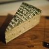 チーズ: Fromager d'Affinois Ail & Fines Herbes (フロマージュ・ダフィノワ・アイユ・エ・フィンゼ・ェフブ)