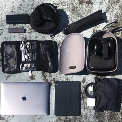 VRやARクリエイターにとって、ケーブル類は命綱!【はたらく人のバッグと中身 #3】