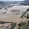 西日本豪雨で氾濫した岡山県倉敷市真備地区の3河川は法定の河川整備計画を20年以上放置!岡山県ではハザードマップの誤りや防災メールの遅延など行政の失態が相次ぐ!これは人災だろwww