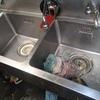 業務用シンクの排水管の修理