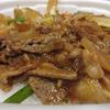 セブンの牛肉野菜炒め丼を食べる