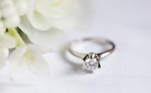 英語の豆知識!「指輪」でない ring の意外な意味とは?
