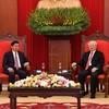 トンルン・シースリット首相:ベトナム指導者と会談