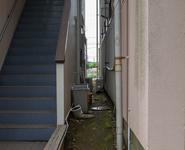 建物と建物の隙間
