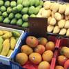 シンガポールで食べたいフルーツいろいろ。スーパーやマーケットで購入してみよう。