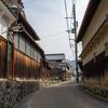 日本最古の国道である大道(竹内街道)へ。国登録文化財旧山本家住宅とか松尾芭蕉ゆかりの地、綿弓塚とか。