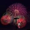 花火と電柱
