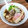 「季節の醤油ラーメン」麺や 福座