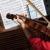"""娘に""""バイオリンの練習をしたら草が生えるアプリ""""をつくった。"""