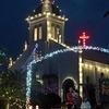 聖なる輝き、教会彩る 天草の崎津・大江教会