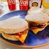 簡単!イタリアンソーセージde朝マック風ソーセージマフィンの作り方|レシピ