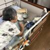 母.認知症.私の入浴中にキッチンの食器棚を荒らされる
