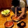 【料理】アテシがキムチ漬けている姿を公開!