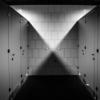 トイレの壁についての覚書|かべ【壁 wall】建物の内と外を区画したり,建物内部の空間を区画するために鉛直またはそれに近い角度で設けられる構築物(『世界大百科事典』)