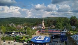世界最大のメイカーフェアの裏で──ルクセンブルクの片田舎で、体育館ほどの広さの小さなメイカーフェアが開催