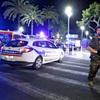 仏テロ、死者84人に…容疑者は監視対象外