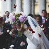 結婚や退職のプレゼントには「ボトルフラワー」がおすすめ。特に桜が美しく、自分用にも欲しくなります