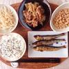 めざし焼き、もやしのナムル、すき焼き煮、中粒納豆。