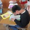 6年生:図工 自画像を鑑賞