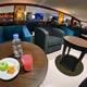 ジャカルタ国際空港 第3ターミナル、カフェのような小さなラウンジ「SAPHIRE BLUE SKY LOUNGE」