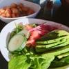 レストランメニューの真似、ベビースピナッチとサーモンのサラダレシピ