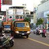 ゴミ収集車に群がる私たち――異文化接触@台湾出張 その2