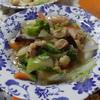 幸運な病のレシピ( 1757 )朝 :鳥・ブロッコリ・カリフラワ炒め、ヒラメ、鮭、味噌汁、マユのご飯