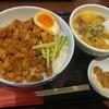 神田【台湾MACHI 新宿西門食房 神田店】滷肉飯+酸辣湯麺(小) ¥750+大盛 ¥100