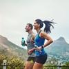 熱と水分補給と労作性熱痙攣(運動誘発性の筋疲労、体内の水分の損失、発汗によるナトリウムの多大な損失の3つの素因が筋痙攣にて観察される)