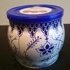 ミーハー、Amazonで人気の白と青のかわいい缶に入ったクッキーを買う。