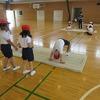 2年生:体育 マット運動