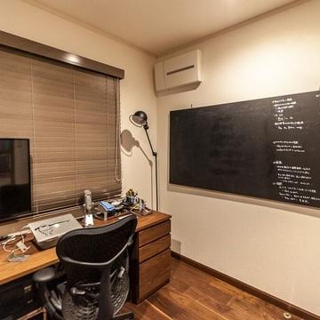 リモートワーカーのこだわり書斎づくり。2つの書斎で環境を改善し、家族との新たな接点も
