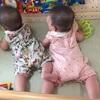 双子の寝ぐずり