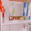 """【ビフォーアフター有り】なんとなくごちゃついた洗面所が""""ツッパリ棒""""ですっきり収納、さっぱり清潔に大変身しました。"""