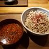 【善三郎 @新橋】味と香りが強い茨城のブランド「常陸秋そば」を手頃な価格で楽しむことができる蕎麦屋です【鶏辛味つけ蕎麦】