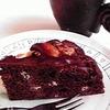 今週のカフェのケーキ【ホワイトチョコ霜降りケーキ】