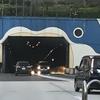 本州から九州は車で行ける ~関門国道トンネルを走る~