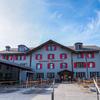 スイスアルプスの名峰アイガーを臨む山岳ホテル「ベルクハウス メンリッヒェン」に泊まる