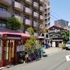 新型コロナウイルスの感染爆発回避対策のための自粛中の街の様子(大阪の北側)。
