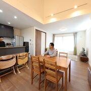実家の建て替えか新しい土地で注文住宅かを迷い、理想の建築会社で新居を完成