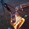 焚火の炎で完成するデザイン。キャンパーのふるさと納税はぜひこれに。