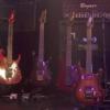 ギターの収納方法:壁掛け