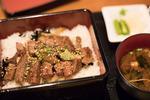 神戸・南京町中華街で朝から美味いもの巡り、腹いっぱい食べるぞ!
